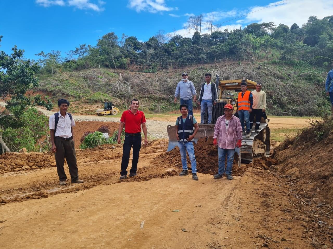 Después de tantos años de olvido viene haciéndose realidad el mejoramiento de la carretera  desde el Caserío San Martín del Chinchipe, Macas, Santa Clara y Huaduillo.